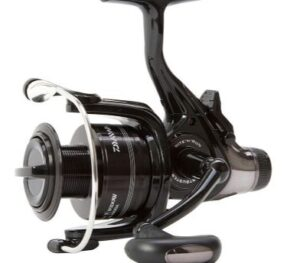 DAIWA BLACK WIDOW 4500A BAITRUNNER